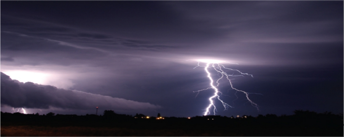 Photo Of The Day Lightning Storm Gadling Lighting Clouds With Dimensions 399 X
